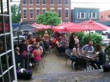diorios_pizza_pub_patio